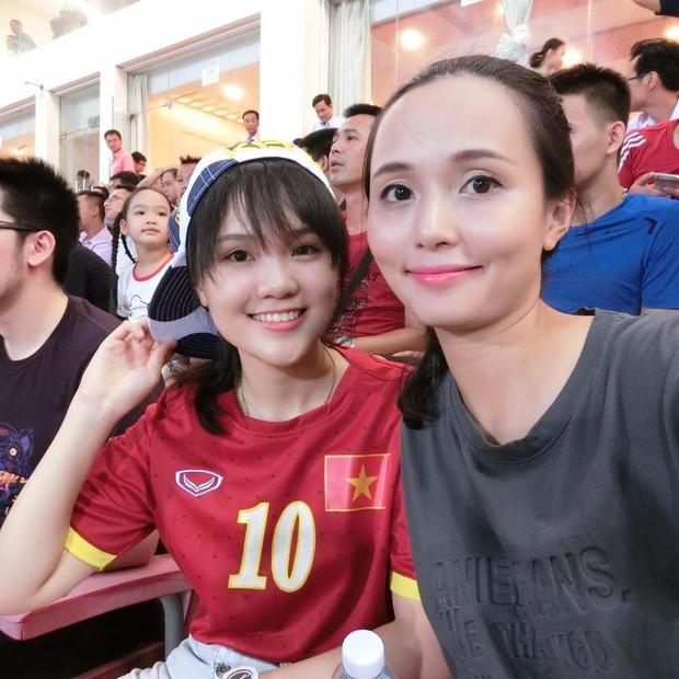 Ái nữ cựu chủ tịch CLB Sài Gòn: Cô chị là vợ tiền đạo Văn Quyết, cô em xí luôn Duy Mạnh gắt - Ảnh 6.