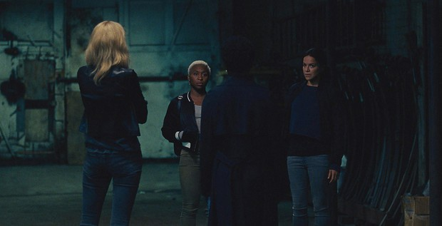8 hội chị em bá đạo trên màn ảnh rộng Hollywood: Hết lập băng đảng đi cướp tới săn ma - Ảnh 8.