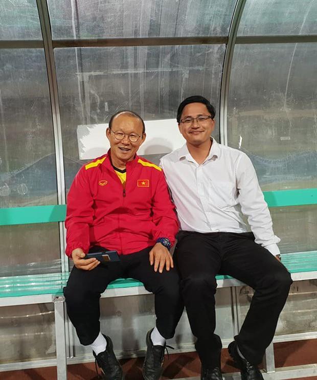 Người hiến kế di dời 40 quả cầu đá tin rằng tuyển Việt Nam sẽ nâng Cúp vô địch AFF - Ảnh 5.