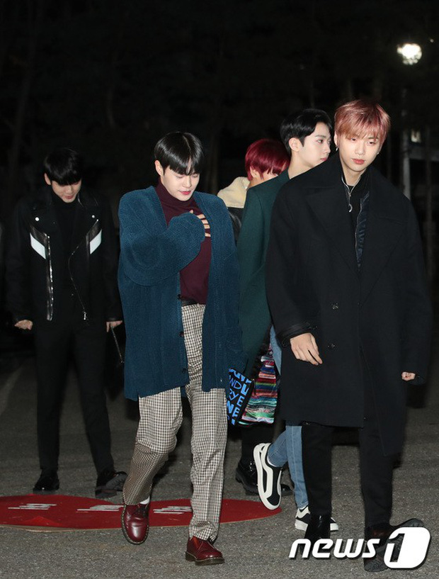 Dàn idol Kpop gây náo loạn tại Music Bank: Irene quá đẹp nhưng bị nữ idol làm lố lấn át, Wanna One, GOT7 đổ bộ - Ảnh 12.