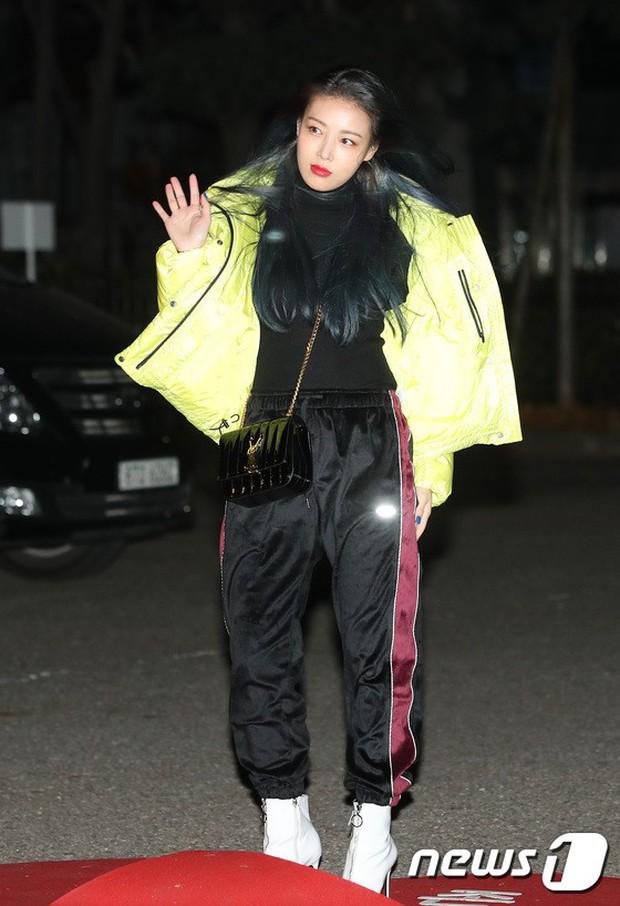 Dàn idol Kpop gây náo loạn tại Music Bank: Irene quá đẹp nhưng bị nữ idol làm lố lấn át, Wanna One, GOT7 đổ bộ - Ảnh 24.