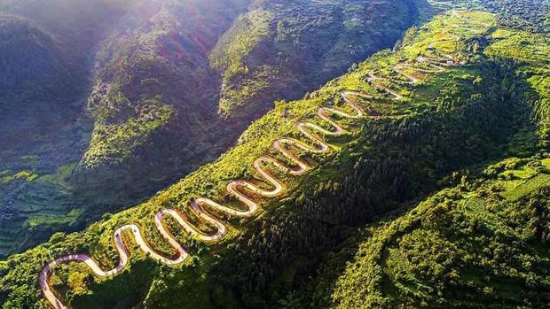 Con đường quặn thắt ruột gan ở Trung Quốc, đi có 6 cây số bẻ cua hết 68 lần - Ảnh 3.