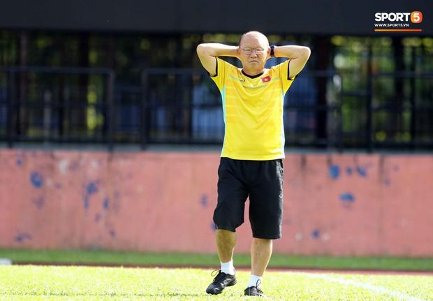Đội tuyển Việt Nam chia nửa vui, buồn trong buổi tập đầu tiên trên đất Malaysia - Ảnh 11.