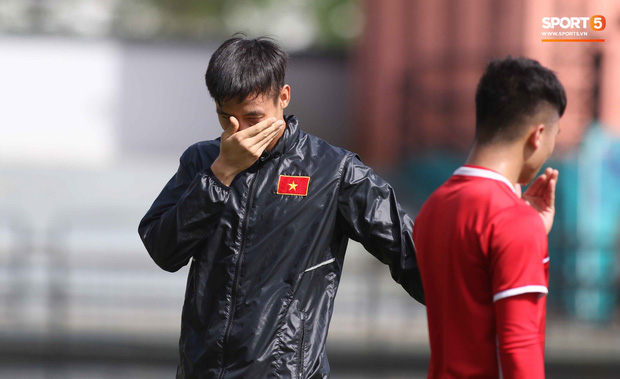 Đội tuyển Việt Nam chia nửa vui, buồn trong buổi tập đầu tiên trên đất Malaysia - Ảnh 10.