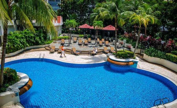 Tuyển Việt Nam khoe body chuẩn bên bể bơi của khách sạn 5 sao - Ảnh 8.