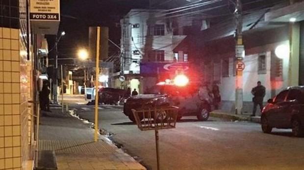 Brasil: 12 người chết trong một vụ đấu súng cướp ngân hàng - Ảnh 1.