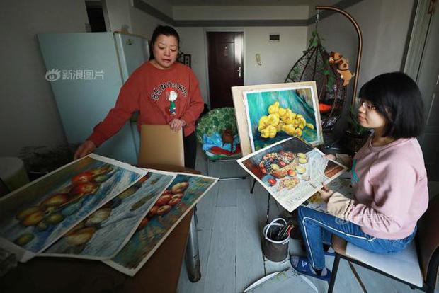 Rơi nước mắt trước nhật ký bằng tranh của cô gái trẻ có cả cha lẫn mẹ đều đang phải chiến đấu với ung thư - Ảnh 13.