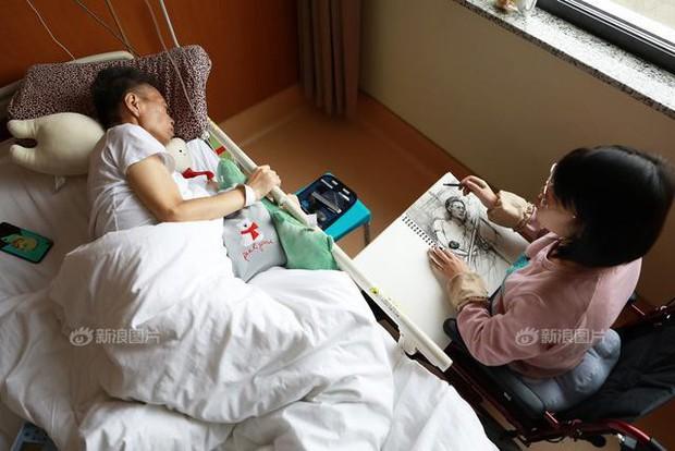 Rơi nước mắt trước nhật ký bằng tranh của cô gái trẻ có cả cha lẫn mẹ đều đang phải chiến đấu với ung thư - Ảnh 6.