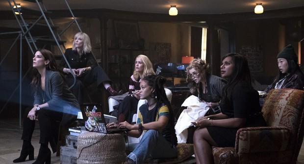 8 hội chị em bá đạo trên màn ảnh rộng Hollywood: Hết lập băng đảng đi cướp tới săn ma - Ảnh 7.