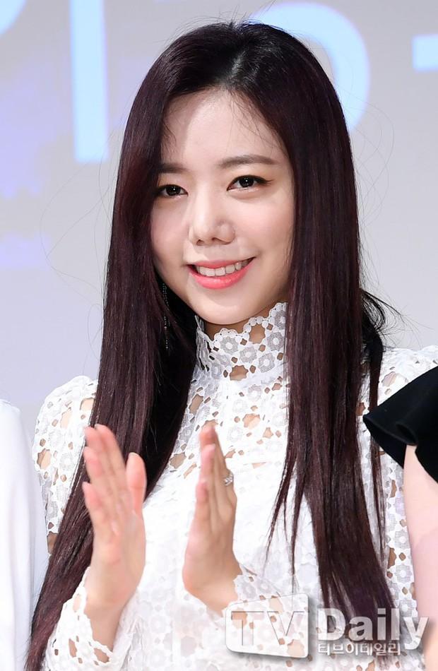 Thành viên kém sắc nhất trong các girlgroup Kpop lột xác: Người thành nữ thần, kẻ tự biến thành thảm họa dao kéo - Ảnh 36.