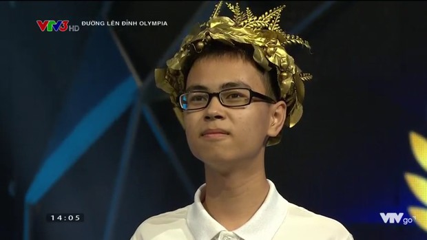Sau 19 năm chờ đợi, nam sinh Chuyên Lý trường Phan Bội Châu vào Chung kết Olympia 2019, mang về cầu truyền hình đầu tiên cho ngôi trường này! - Ảnh 1.