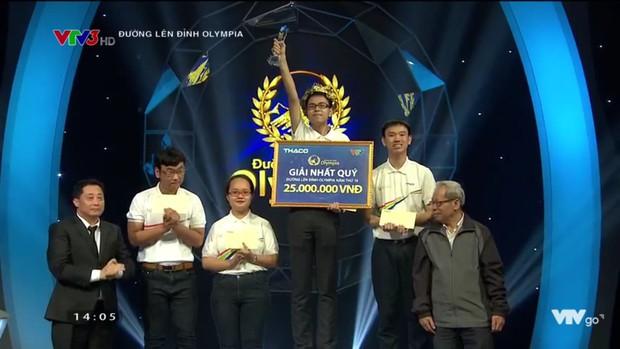 Sau 19 năm chờ đợi, nam sinh Chuyên Lý trường Phan Bội Châu vào Chung kết Olympia 2019, mang về cầu truyền hình đầu tiên cho ngôi trường này! - Ảnh 2.
