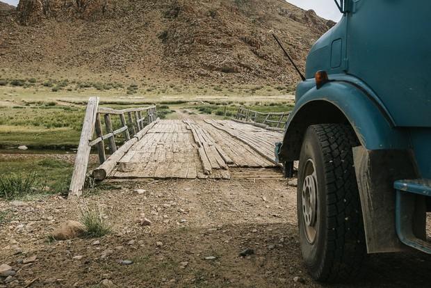 Bỏ lại cuộc sống bận rộn, gia đình 3 người lái xe tải đi khắp thế gian và cho ra những bức ảnh đẹp rụng rời - Ảnh 24.