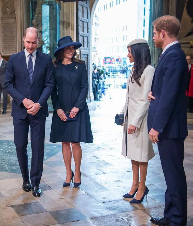 Vợ chồng Công nương Kate tránh chạm mặt em dâu Meghan và Harry trong sự kiện quan trọng của hoàng gia - Ảnh 2.