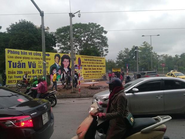 Hà Nội: Nổ bốt điện ngầm, ba người nhập viện - Ảnh 1.