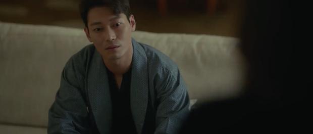 Khán giả hoang mang về cái chết khó hiểu của đối thủ Hyun Bin trong Hồi ức Alhambra - Ảnh 4.