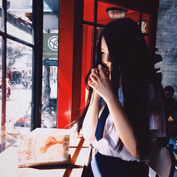 Xinh đẹp, học giỏi, nữ sinh Phú Nhuận khiến nam sinh đồng loạt muốn chuyển trường - Ảnh 2.