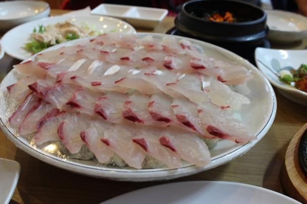 7 món ăn không thể bỏ qua khi đến với đảo Jeju xinh đẹp ở Hàn Quốc - Ảnh 7.