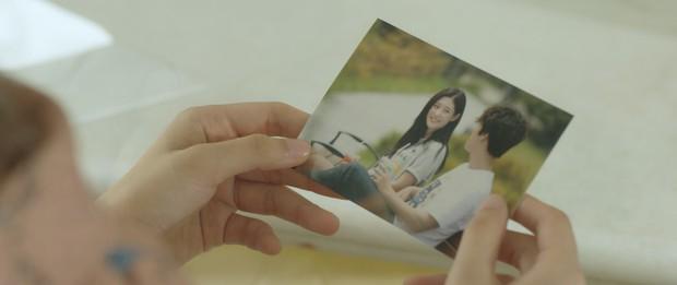 Không chỉ là cầu nối tâm linh trên phim, Chi Pu còn đưa luôn nữ thần mới Chae Yeon về Việt Nam - Ảnh 10.