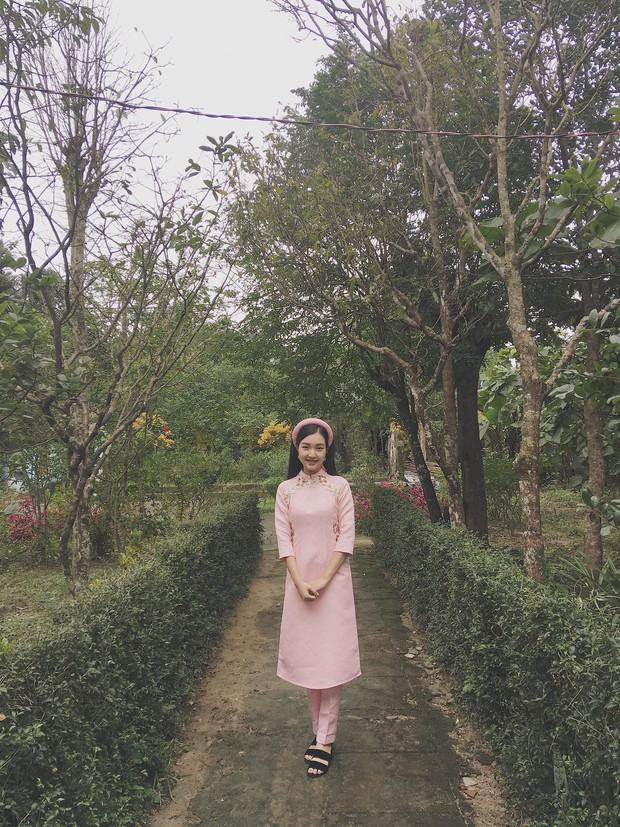 """Nàng thơ xứ Huế Ngọc Trân: từ cô nữ sinh áo dài đến mỹ nhân sở hữu nhan sắc """"nức lòng"""" - Ảnh 24."""