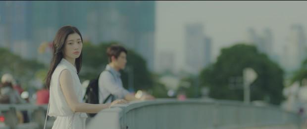 Không chỉ là cầu nối tâm linh trên phim, Chi Pu còn đưa luôn nữ thần mới Chae Yeon về Việt Nam - Ảnh 2.