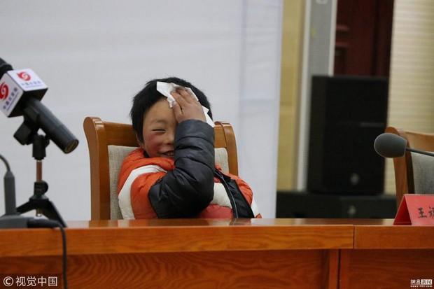 Câu chuyện cậu bé đầu băng lay động cả tỷ phú Jack Ma, thôi thúc ông làm nhiều hơn cho trẻ em Trung Quốc - Ảnh 5.