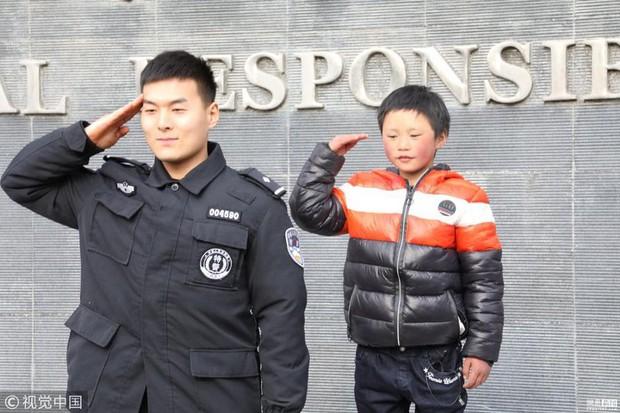 Câu chuyện cậu bé đầu băng lay động cả tỷ phú Jack Ma, thôi thúc ông làm nhiều hơn cho trẻ em Trung Quốc - Ảnh 3.