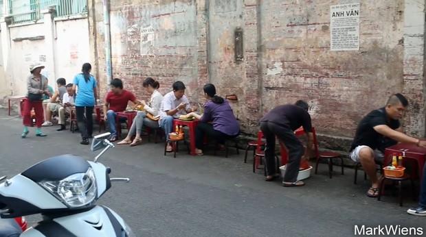 Bữa sáng ngon nhất của du khách người Mỹ tại Sài Gòn khiến ai cũng gật gù đồng ý vì đánh giá quá đúng - Ảnh 4.