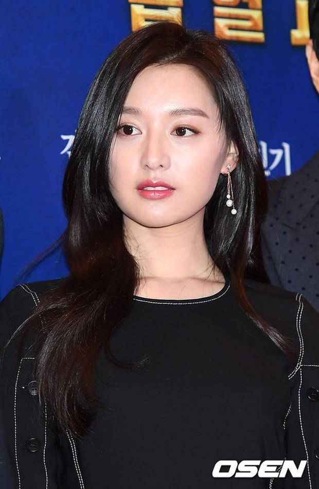 Nữ thần Hậu duệ mặt trời bê cả nửa showbiz đến dự: Song Ji Hyo đánh bật loạt mỹ nhân, Bi Rain dẫn đầu dàn tài tử - Ảnh 3.