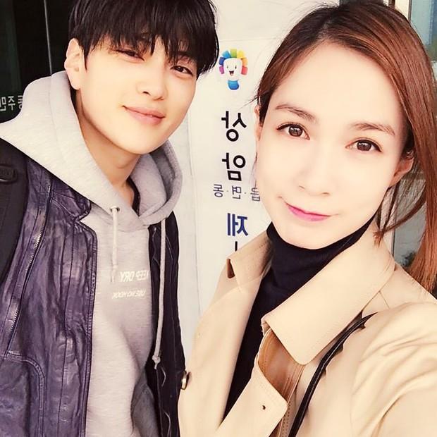 Netizen Hàn bỗng phát cuồng vì một diễn viên U40 giống Ji Chang Wook lai Jaejoong - Ảnh 4.