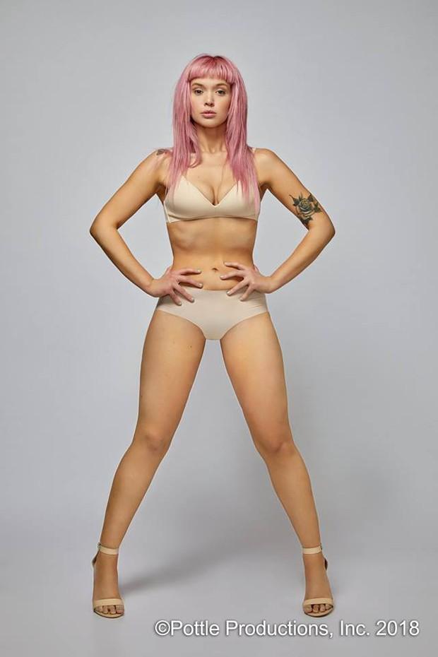 Next Top Mỹ: Vừa dừng chân, cô gái tóc hồng tố cáo bị dọa đánh, nhà sản xuất làm ngơ để tạo drama - Ảnh 1.