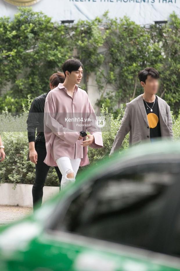 Chi Pu thân thiết, đi ăn tối cùng nữ thần Kpop Jung Chae Yeon và bạn trai tin đồn Jin Ju Hyung - Ảnh 6.
