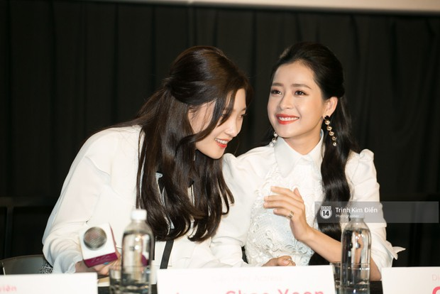"""Chi Pu tự tin đọ sắc """"nữ thần thế hệ mới"""" Chae Yeon, lạnh lùng với """"người yêu tin đồn"""" ngay buổi ra mắt phim - Ảnh 7."""