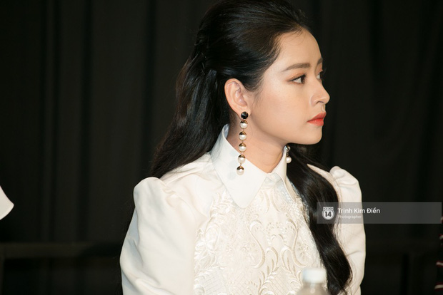 """Chi Pu tự tin đọ sắc """"nữ thần thế hệ mới"""" Chae Yeon, lạnh lùng với """"người yêu tin đồn"""" ngay buổi ra mắt phim - Ảnh 9."""