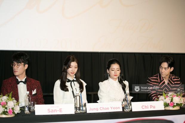 """Chi Pu tự tin đọ sắc """"nữ thần thế hệ mới"""" Chae Yeon, lạnh lùng với """"người yêu tin đồn"""" ngay buổi ra mắt phim - Ảnh 4."""