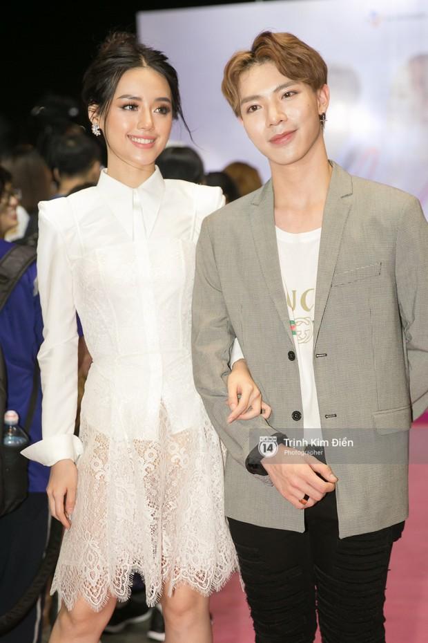 """Chi Pu tự tin đọ sắc """"nữ thần thế hệ mới"""" Chae Yeon, lạnh lùng với """"người yêu tin đồn"""" ngay buổi ra mắt phim - Ảnh 16."""
