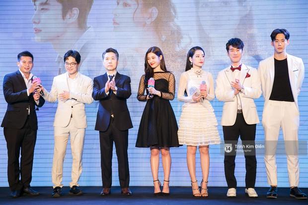 """Chi Pu tự tin đọ sắc """"nữ thần thế hệ mới"""" Chae Yeon, lạnh lùng với """"người yêu tin đồn"""" ngay buổi ra mắt phim - Ảnh 1."""