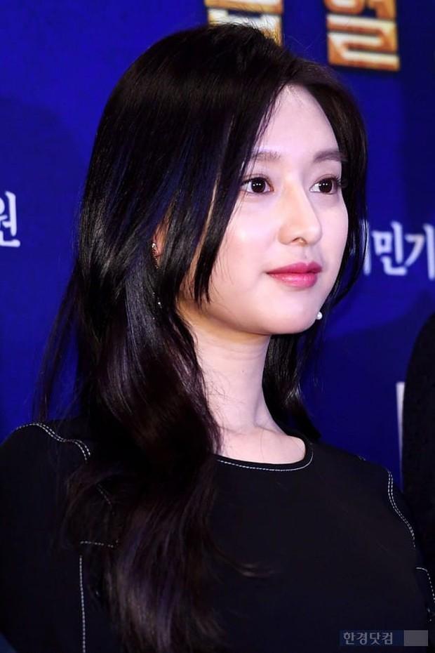Nữ thần Hậu duệ mặt trời bê cả nửa showbiz đến dự: Song Ji Hyo đánh bật loạt mỹ nhân, Bi Rain dẫn đầu dàn tài tử - Ảnh 5.