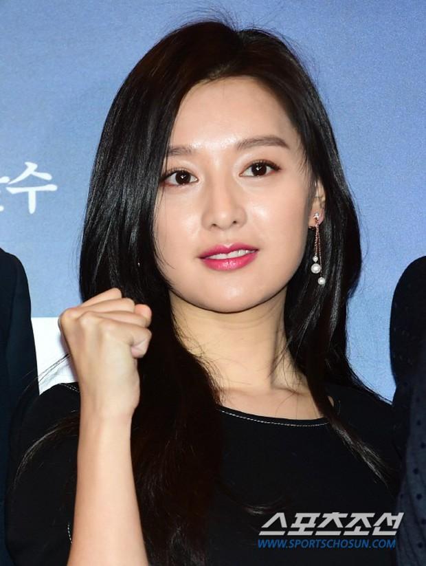 Nữ thần Hậu duệ mặt trời bê cả nửa showbiz đến dự: Song Ji Hyo đánh bật loạt mỹ nhân, Bi Rain dẫn đầu dàn tài tử - Ảnh 4.