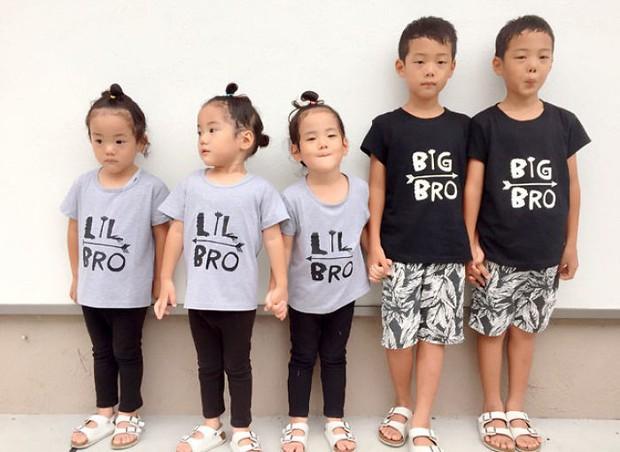 Nhà có 5 thiên thần sinh đôi và sinh ba, bà mẹ Nhật đã cho ra đời bộ ảnh đáng yêu như thế đấy - Ảnh 3.