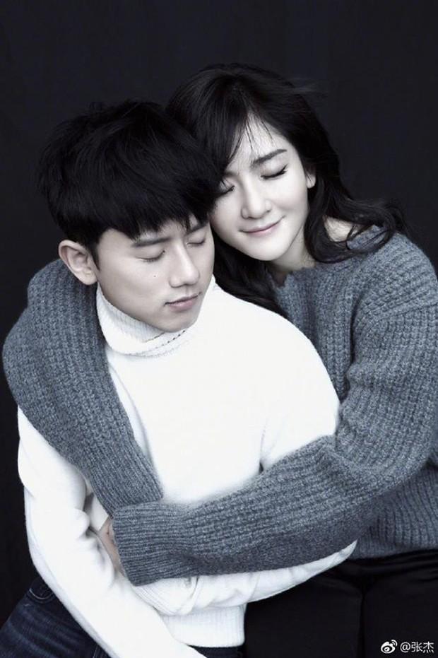 Vợ chồng Tạ Na - Trương Kiệt hạnh phúc chào đón 2 tiểu công chúa  - Ảnh 1.