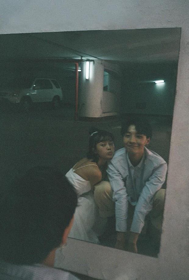 Thêm một bộ ảnh couple chụp bằng máy film tình đến từng khoảnh khắc - Ảnh 15.