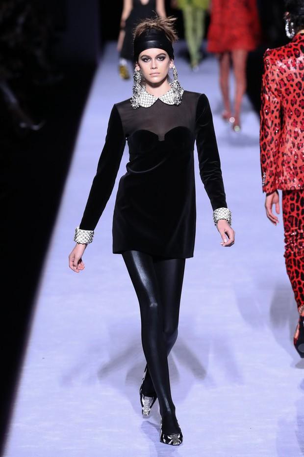 Tiếp tục đắt show tại New York Fashion Week 2018, Kaia Gerber thực sự đã làm nên chuyện ở tuổi 16 - Ảnh 1.
