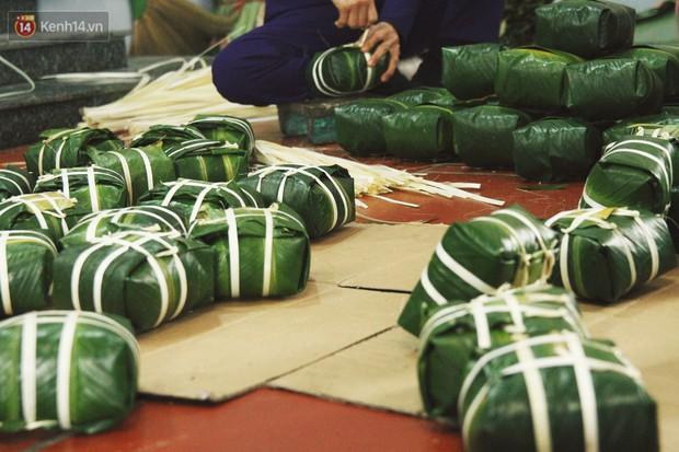 Chùm ảnh: Làng bánh chưng Tranh Khúc tất bật những ngày giáp Tết truyền thống - Ảnh 13.