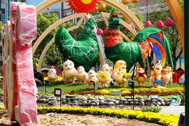 Nhìn lại hình ảnh những linh vật ở đường hoa Nguyễn Huệ trong 5 năm trở lại đây - Ảnh 14.