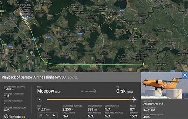 Mảnh vỡ và hình ảnh nạn nhân vụ tai nạn máy bay thảm khốc tại Nga - Ảnh 2.