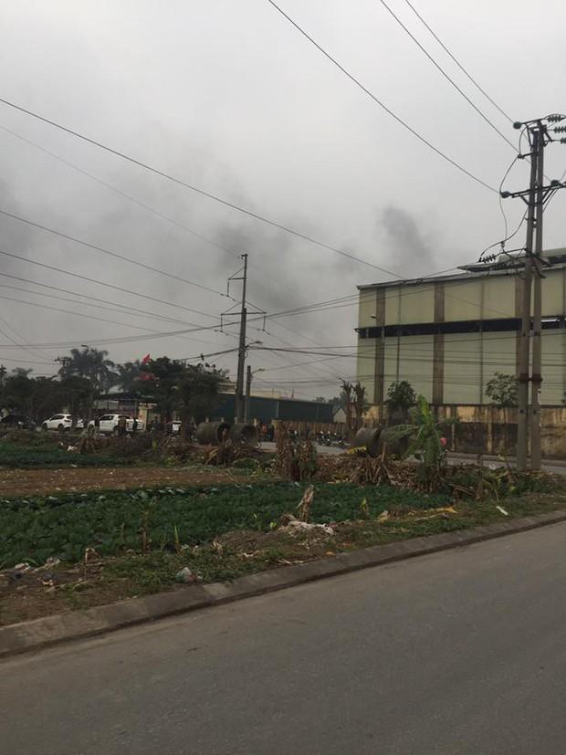 Hà Nội: Nổ lớn nhà máy luyện thép sáng 27 Tết, 2 công nhân nhập viện nguy kịch - Ảnh 1.