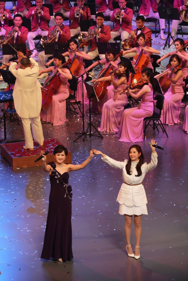 Seohyun được khen ngợi khi hòa giọng ngọt ngào với dàn đồng ca Triều Tiên - Ảnh 1.