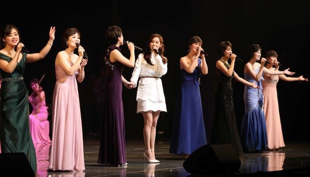 Seohyun được khen ngợi khi hòa giọng ngọt ngào với dàn đồng ca Triều Tiên - Ảnh 2.