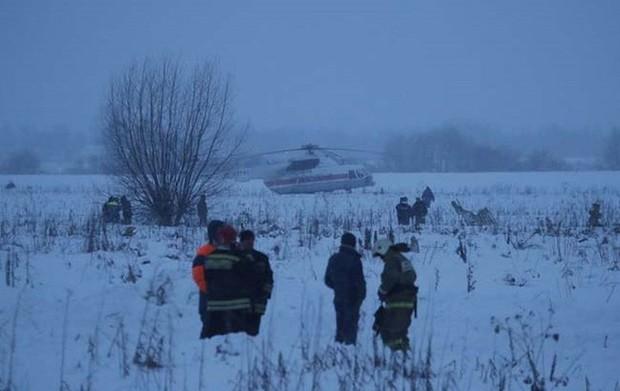 Mảnh vỡ và hình ảnh nạn nhân vụ tai nạn máy bay thảm khốc tại Nga - Ảnh 10.